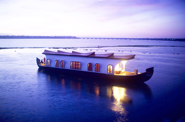 1348732828Beautiful-Kerala-Houseboat