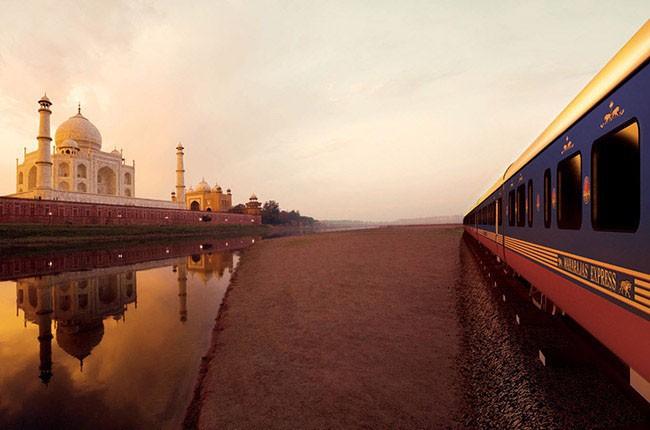 01-Maharajas-Express-por-el-Taj-Mahal-en-India-8b757b15cf