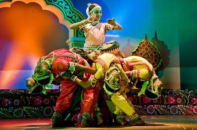 02.Culture-Dancers-Bharatnatyam-2ec7e12200