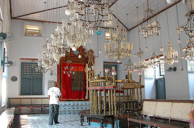 03.Mattancherry_Synagogue Inside(3)-ee1ddc813b