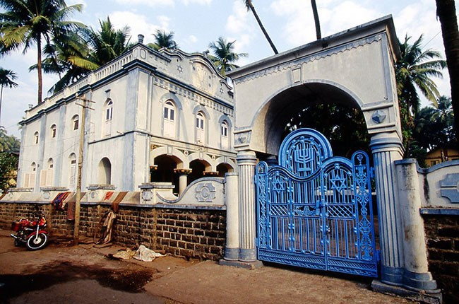 06.IN 1521. Magen Aboth Synagogue, ALIBAG, India.-L-f229d23a95