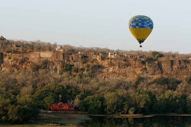 08-the-ranthambore-fort-in-the-forest-45e504cf03