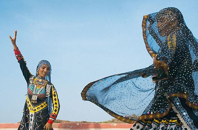 09.Kalbelia Dancers-bf901a0e00