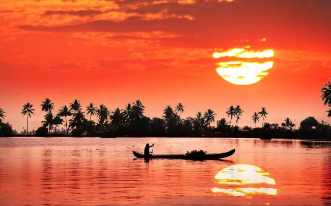 Kerala_shutterstock_115948765-bg1080