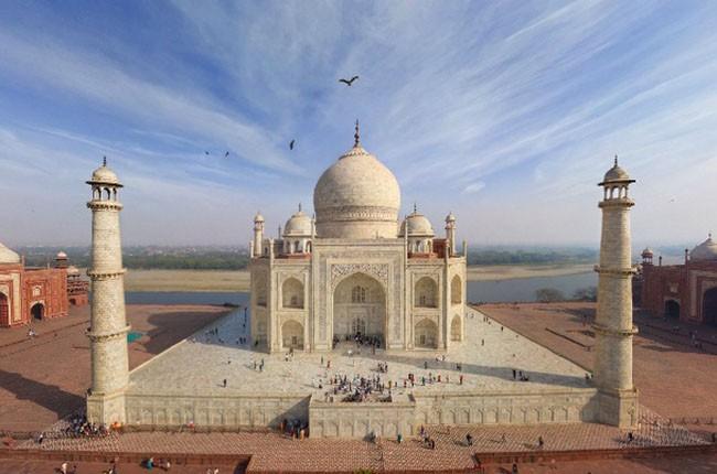 01-Taj-Mahal-3-ca07aaa139