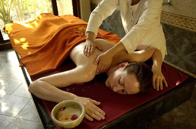 02.Traditional Ayurveda treatment-a4203cea78