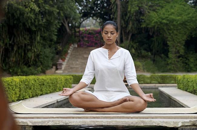06-27652687-H1-011-Yoga-967c903bf2