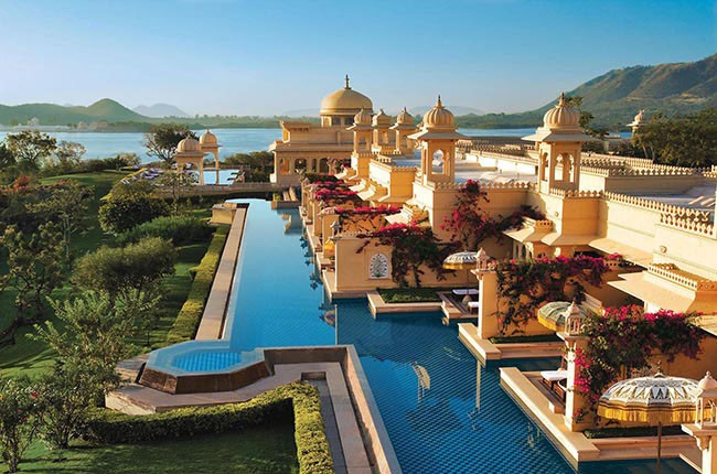 06-Premier-Lake-View-Rooms-with-Semi-Private-Pools-The-Oberoi-Udaivilas-c5b6ebcdaa