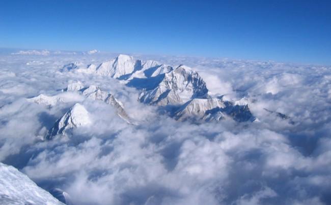 Himachal-Pradesh_Himalayaseverest-summit-view-bg1080